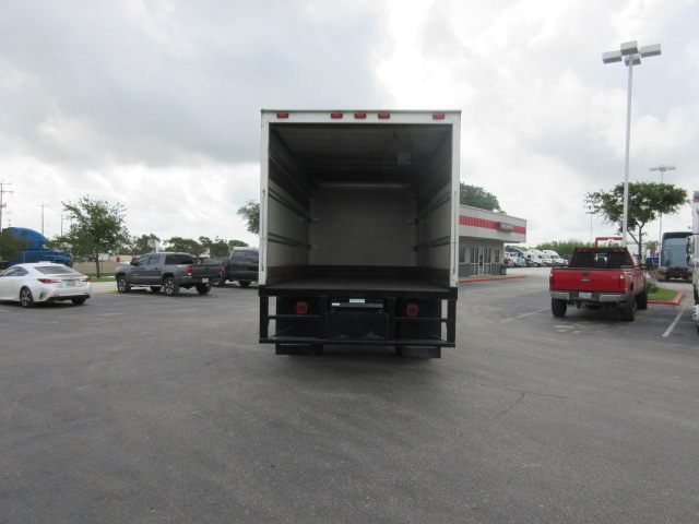 2010 Freightliner M2-106 - Freightliner Cab Chassis Trucks