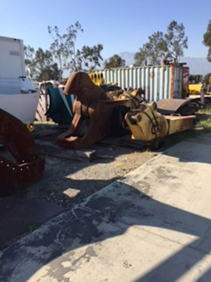 2000 LaBounty Shears and Grapples MISC. VARIETY - LaBounty Attachments