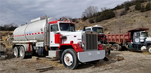 1979 Peterbilt 353S - Peterbilt Water Trucks