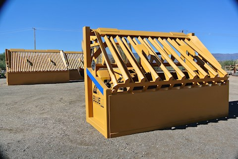 """BLUELINE Grizzly 3-4 YD 10"""" & 3"""" minus - BLUELINE Grizzly Aggregate Equipment"""