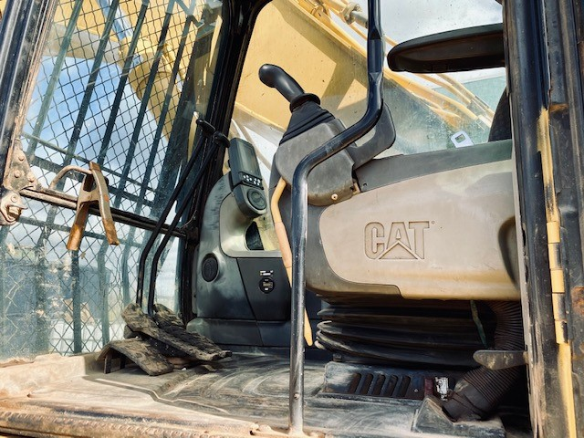 Caterpillar CAT 330 DL - Caterpillar Excavators