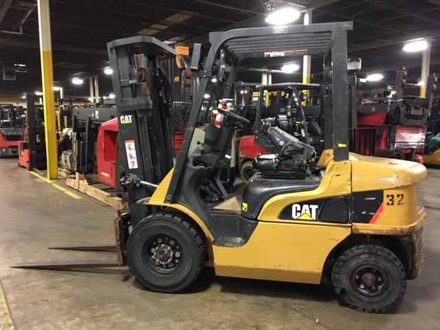 2014 Caterpillar Pneumatic - Caterpillar Forklifts