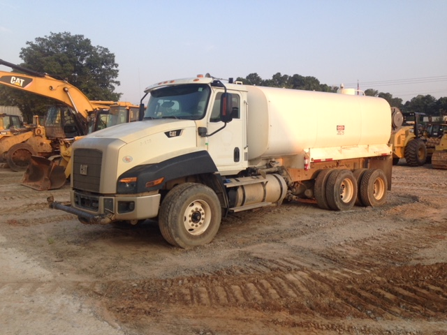 2014 Caterpillar CT660 - Caterpillar Water Trucks