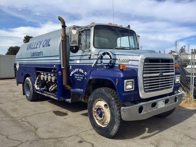 Ford L8000 - Ford Water Trucks
