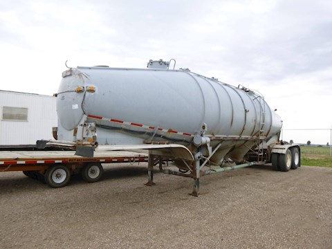 1967 Fruehauf 3 Cone Pneumatic Powder Storage Trailer (2609) - Fruehauf Trailers