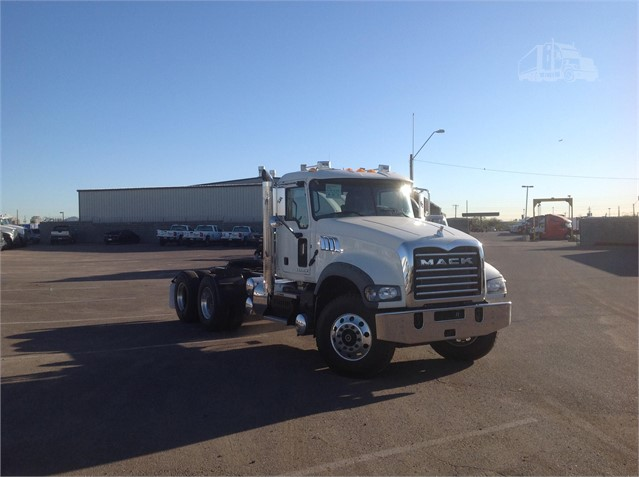 Mack GRANITE GU713 - Mack Cab Chassis Trucks