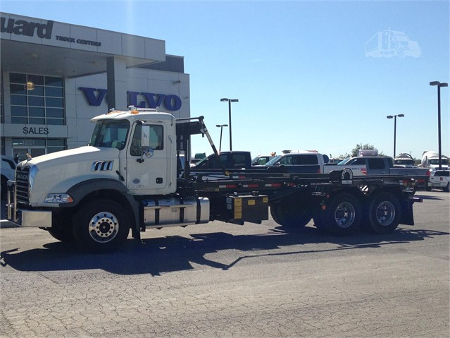 Mack GRANITE GU813 - Mack Cab Chassis Trucks