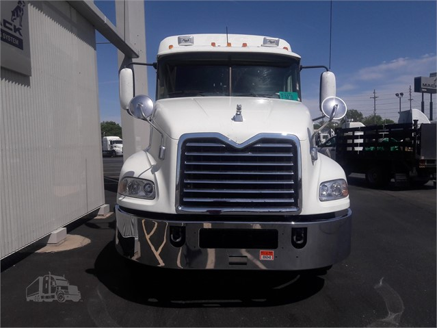 2012 Mack PINNACLE CXU613 - Mack Cab Chassis Trucks