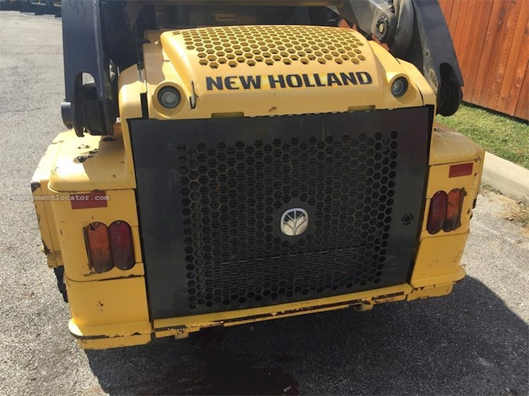 2012 New Holland L223 - New Holland Loaders
