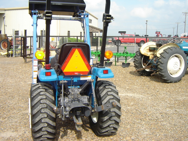 New Holland 21HP 4X4 - New Holland Tractors