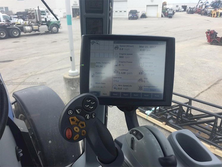 2013 New Holland T8.300 - New Holland Tractors