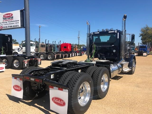 2020 Peterbilt 389 Heavy Duty Day Cab - Peterbilt Freight Trucks